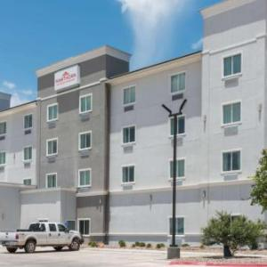 Book Now Hawthorn Suites By Wyndham Midland (Midland, United States). Rooms Available for all budgets. In-room kitchen facilities free Wi-Fi complimentary breakfast and a location close to I-20 sweeten stays at the non-smoking Hawthorn Suites by Wyndham Midland. Built in 2014 t