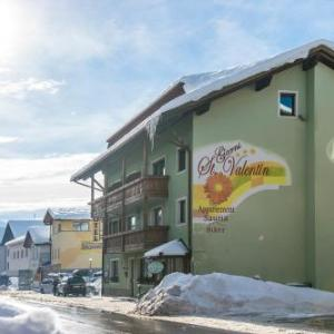 Book Now Garni-Hotel St. Valentin (San Valentino alla Muta, Italy). Rooms Available for all budgets. With a Kneipp bath Finnish sauna and Turkish bath Garni-Hotel St. Valentin offers Alpine-style accommodation and free WiFi. The property is set in the centre of San Valentino