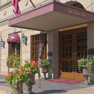 Hotels near State Theater Ann Arbor - Bell Tower Hotel