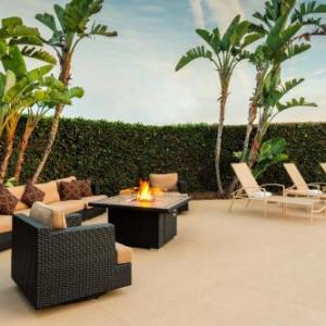 Hotels near La Mirada Theatre for the Performing Arts - Holiday Inn La Mirada