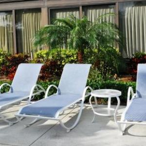 Hotels near Sunset Cove Amphitheater - Holiday Inn Express Boca Raton - West