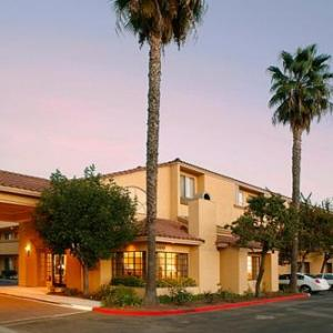 Rancho Simi Community Park Hotels - Holiday Inn Express Simi Valley