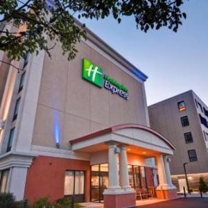The Beachcomber Quincy Hotels - Holiday Inn Express Boston