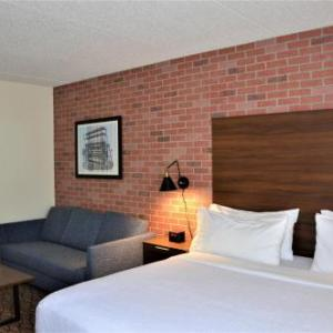 Hotels near Utica College - Holiday Inn Utica