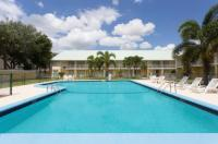 Howard Johnson Inn - Vero Beach