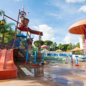 Hotels near Pearson Park Amphitheatre - Howard Johnson Anaheim Hotel And Water Playground