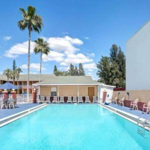 Howard Johnson by Wyndham Ft. Myers FL