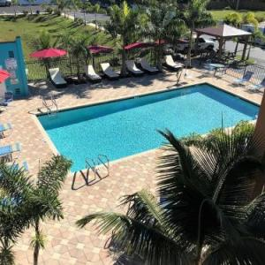 Hotels near Florida Railroad Museum - Days Inn By Wyndham Sarasota Bay
