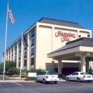 Hotels near Hamlet Golf & Country Club - Hampton Inn Long Island/Commack