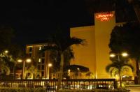 Hampton Inn Tampa-International Airport/Westshore Image
