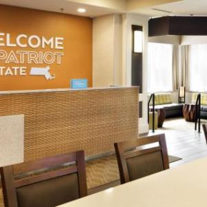 Hotels near Temple Israel Natick - Hampton Inn Boston/Natick