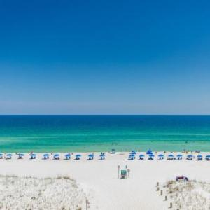 Capt'n Fun Beach Club Hotels - Hampton Inn Pensacola Beach