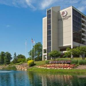Hotels near Drury Lane Oakbrook Terrace - DoubleTree By Hilton Chicago - Oak Brook