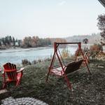 Along River Ridge Bed & Breakfast