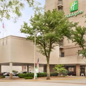 Modern Woodmen Park Hotels - Holiday Inn Rock Island-Quad Cities