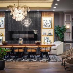 Hotels near The Second City Chicago Mainstage - Claridge House