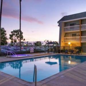 Coach House Capistrano Hotels - Dana Point Marina Inn