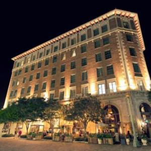 Hotels near Kirk Douglas Theatre - The Culver Hotel