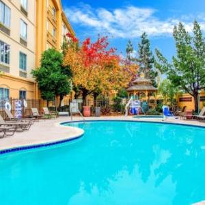 Hotels near Palmdale Estates Fremont - La Quinta Inn & Suites Fremont / Silicon Valley