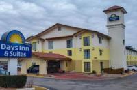 Days Inn & Suites Schaumburg Image