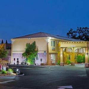 Solar Living Center Hopland Hotels - Super 8 Ukiah