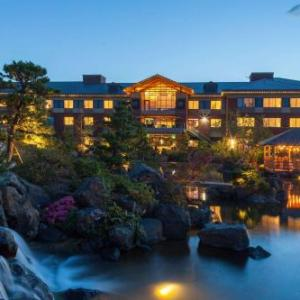 Oregon Jamboree Hotels - Best Western Premier Boulder Falls Inn