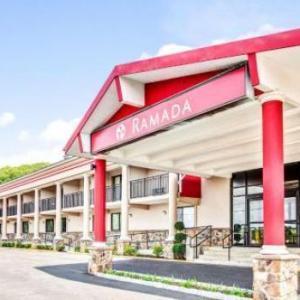 Skylands Stadium Hotels - Ramada by Wyndham Rockaway