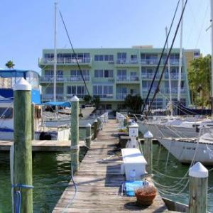 Chart House Suites And Marina