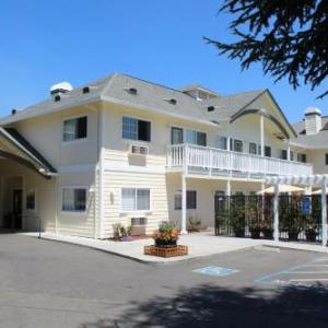 Solar Living Center Hopland Hotels - Geyserville Inn