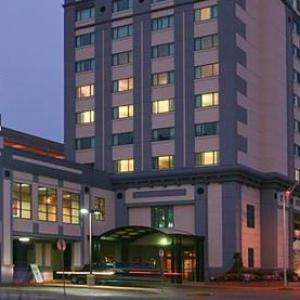 Soldiers and Sailors Coliseum Hotels - Tropicana Evansville
