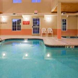 Hotels near Pablo Center at the Confluence - Grandstay Residential Suites Eau Claire