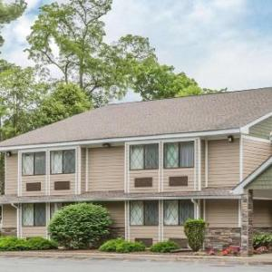 Hotels near Culinary Institute Hyde Park - Quality Inn Hyde Park