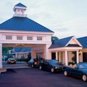 Hotels near TD Convention Center - The Phoenix Greenvilles Inn