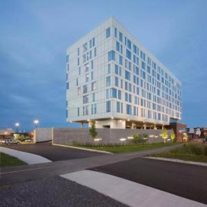 Centre d'art La Chapelle Hotels - Courtyard By Marriott Quebec City
