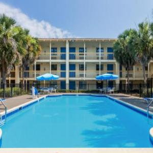 Hotels near Florida National Guard Armory Tallahassee - Baymont Inn & Suites Tallahassee Central