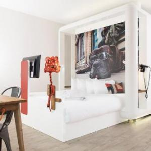 Hotels near Whitechapel Gallery - Qbic Hotel London City