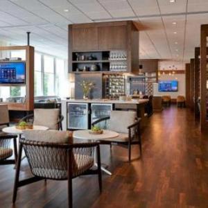 Murmrr Theatre Hotels - New York Marriott at the Brooklyn Bridge