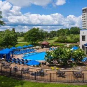 Hilton Chicago/Oak Brook Hills Resort