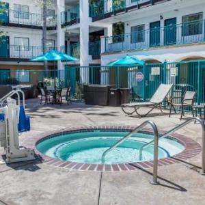 Hotels near Veterans Hall San Luis Obispo - Quality Suites Central Coast