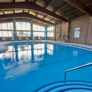 Narrows Center for the Arts Hotels - Riverview Inn & Suites