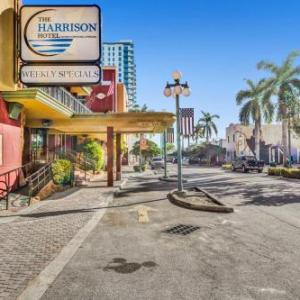 Cafe Iguana Pines Hotels - Ramada By Wyndham Hollywood Downtown