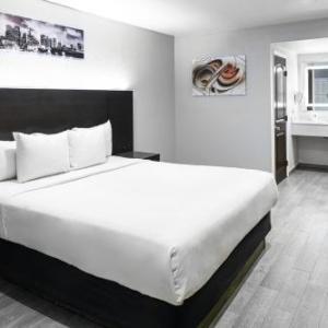 Hollywood Park Casino Hotels - Hollywood Inn Express LAX