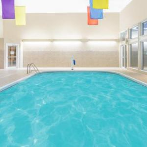 Boondocks Pub Hotels - Ramada By Wyndham Springfield North