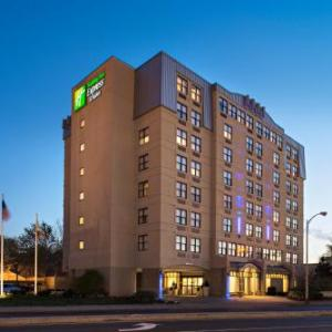 Cantina La Mexicana Somerville Hotels - Holiday Inn Express & Suites Cambridge
