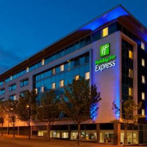 Hotels near The Stand Comedy Club Newcastle - Holiday Inn Express Newcastle City Centre