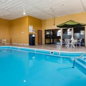 Hotels near Blue Sky Vineyard - Best Western Saluki Inn
