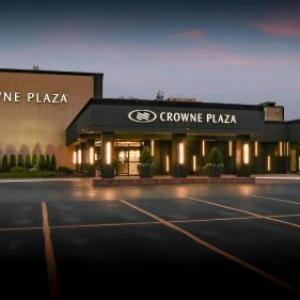 Hotels near Chicago Executive Airport - Crowne Plaza Hotel Chicago-northbrook