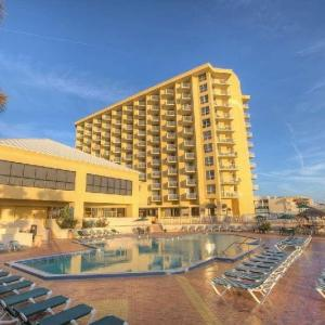 Hotels near Daytona Beach Bandshell - Ocean Breeze Club Hotel