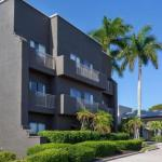 La Quinta Inn & Suites by Wyndham Ft. Myers Sanibel Gateway