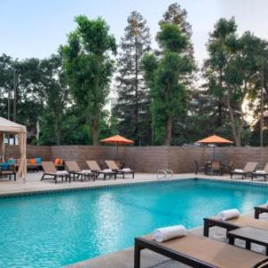 Hotels near The Cellar Door Visalia - Visalia Marriott At The Convention Center